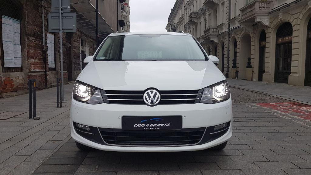 https://cars4business.pl/wp-content/uploads/2018/03/Volkswagen-Sharan-przod-cars-4-business.jpg