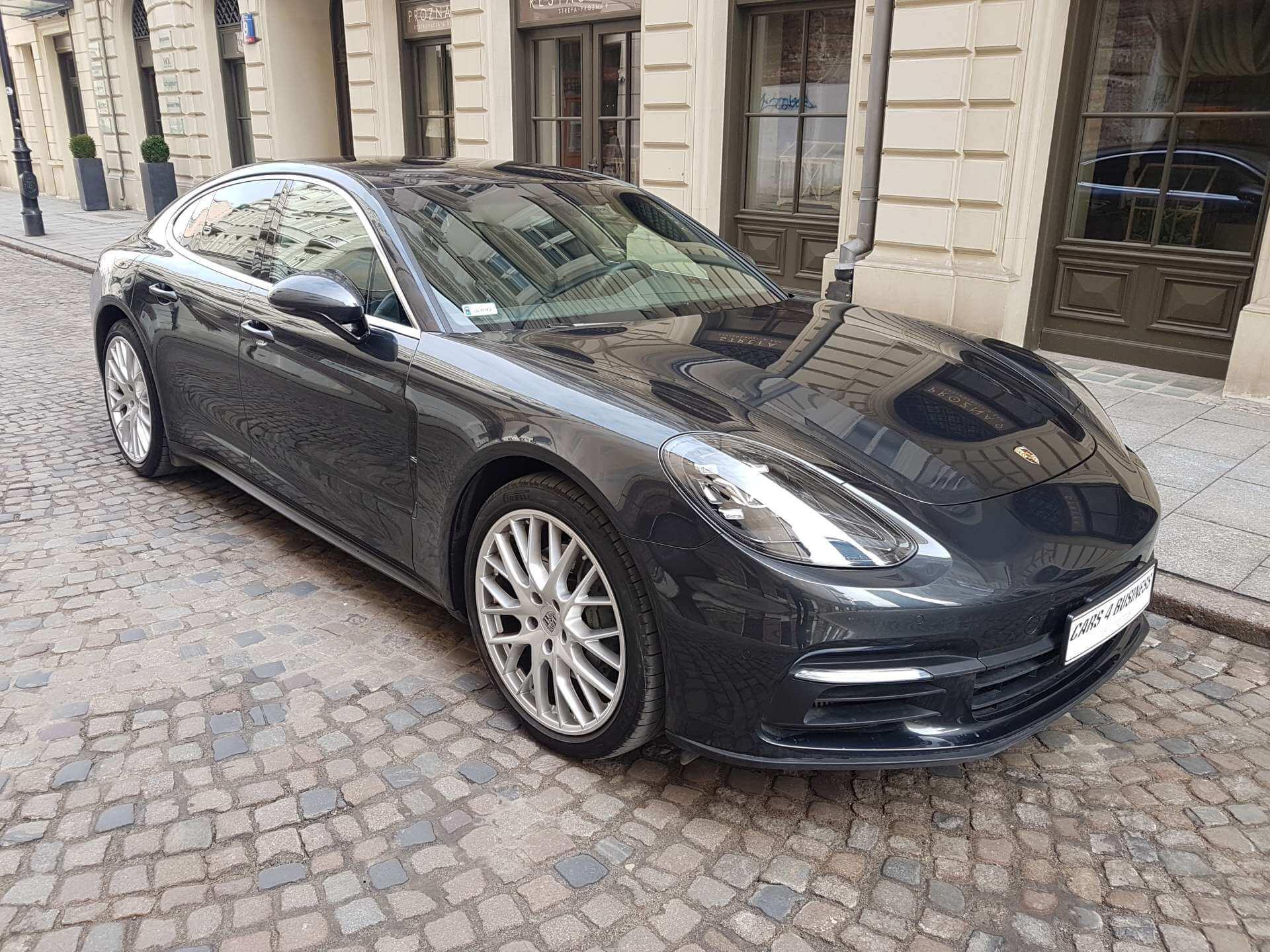 https://cars4business.pl/wp-content/uploads/2018/04/porhe-panamera-4s-cars4buisness-2.jpg